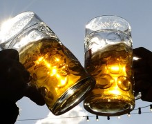 Cheers-Toast-Beer-Glasses-Alcohol-01
